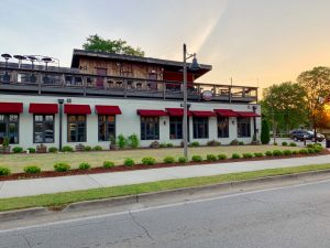 Rooftop dining in Downtown Woodstock
